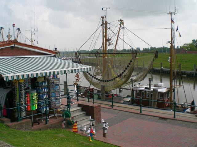 Souvenirs am Hafen von Greetsiel