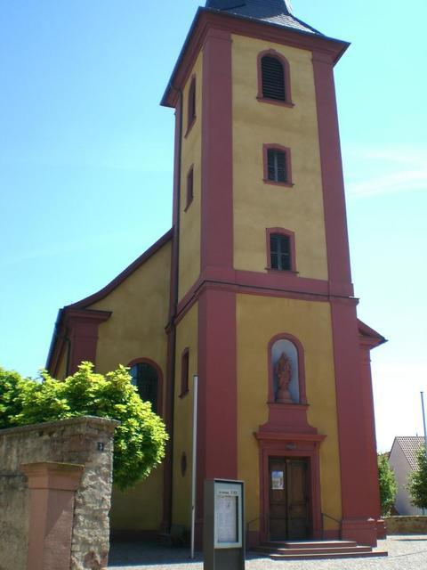 Die katholische Kirche St. Peter in Ilvesheim