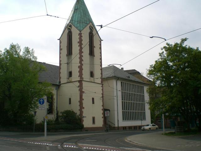 Die Kirche St. Peter und Paul in Feudenheim