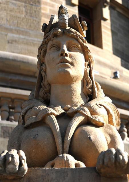 Sphinx von vorne
