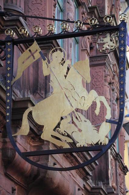 Das Schild des Hotels Ritter