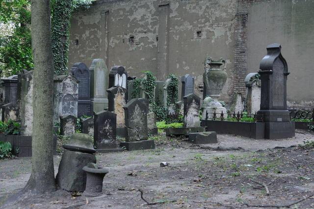 Blick in den alten jüdischen Friedhof